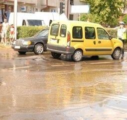W piątek po południu skrzyżowanie ulic Kopernika i Gorbatowa zamieniło się w ciągu kilku minut w jezioro