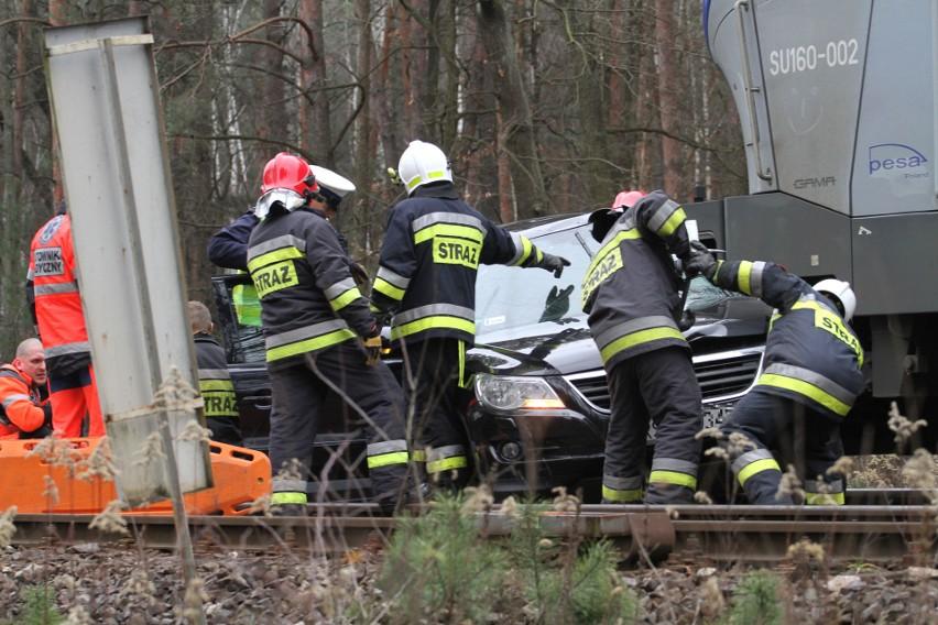 Kobieta zginęła w wypadku na przejeździe kolejowym w Zabrniu, w gminie Grębów