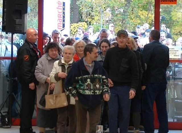 Setki klientów było na otwarciu supermarketu Intermarche w Ustce.
