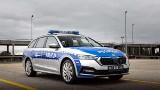 Skoda Octavia iV. Nowe radiowozy dla policji - mogą jeździć na prąd