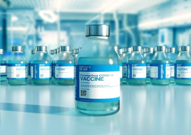 Część pacjentów rezygnuje ze szczepień AstrąZeneką.