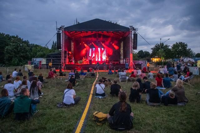 W ramach Malta Festivalu na Scenie na Wilczaku odbywa się wiele interesujących wydarzeń. W piątek słuchaliśmy tam Barbary Wrońskiej.