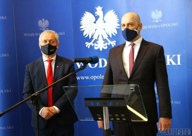 O sytuacji na rzekach w regionie informowali Sławomir Kłosowski i Mirosław Kurz.