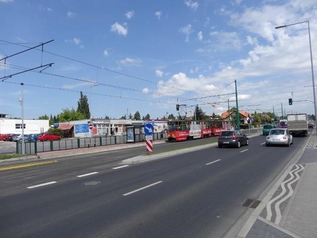 Zarząd Transportu Miejskiego nie zgodził się na to, by przystanek na ul. Grunwaldzkiej w okolicy ul. Ziębickiej nosił nazwę ''Stowarzyszenie Księgowych''. Wnioskodawcy twierdzą, że by za to płacili