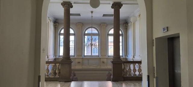 Klatka schodowa w budynku Kliniki Lekarskiej przy ul. Kopernika 15