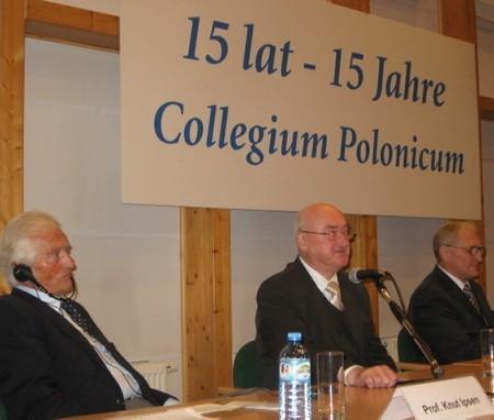 - Na początku był pomysł, żeby w Słubicach powstały tylko akademiki, ale uznaliśmy to za dyskryminację polskiej nauki - mówił prof. Jerzy Fedorowski.