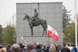 Nowy Sącz. Uroczyste odsłonięcie pomnika Józefa Piłsudskiego. Tłumy na Alejach Wolności [ZDJĘCIA]