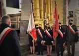 W Szydłowcu uczcili 230. rocznicę uchwalenia Konstytucji 3 Maja. Była msza za Ojczyznę i złożenie kwiatów pod pomnikiem