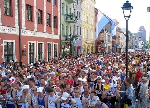 Maraton Toruński tradycyjnie wystartuje z okolic pomnika Kopernika i Rynku Staromiejskiego