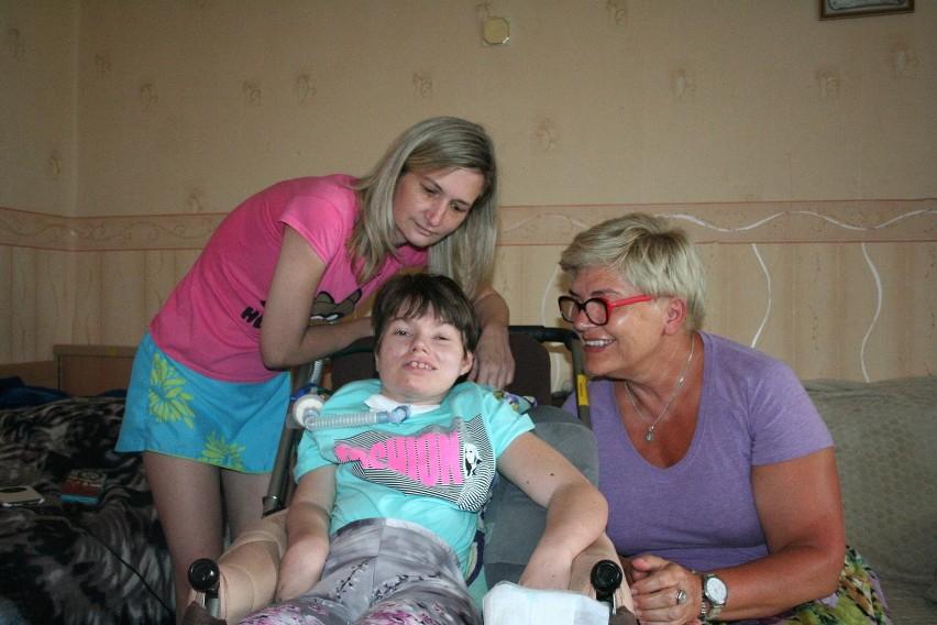 Kinga Ibek z mamą i dr Joanną Kowalczyk
