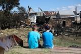 """""""Zobaczyłam ogień, a potem zorientowałam się, że nie płonie jeden dom, tylko cała ulica"""". Reportaż z Nowej Białej"""