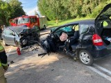 Ploski. Wypadek na DK 19 okazał się śmiertelny. W czołowym zderzeniu zginął pasażer volkswagena [ZDJĘCIA]
