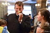 Wspólne grzybobranie i pieczenie ziemniaka. Parafia Wszystkich Świętych w Białymstoku integruje osoby niepełnosprawne (zdjęcia)