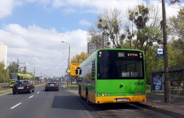 W niedziele handlowe - 13 oraz 20 grudnia - linie nr 180 oraz 184 będą jeździć częściej, według sobotniego rozkładu jazdy. Ponadto w grudniowe niedziele handlowe linie nr 180, 181 i 184  będą obsługiwane przez autobusy 12-metrowe.