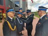 Brzezińscy strażacy świętowali Dzień Strażaka. Była uroczysta zbiórka i nadanie odznaczeń oraz wyższych stopni służbowych