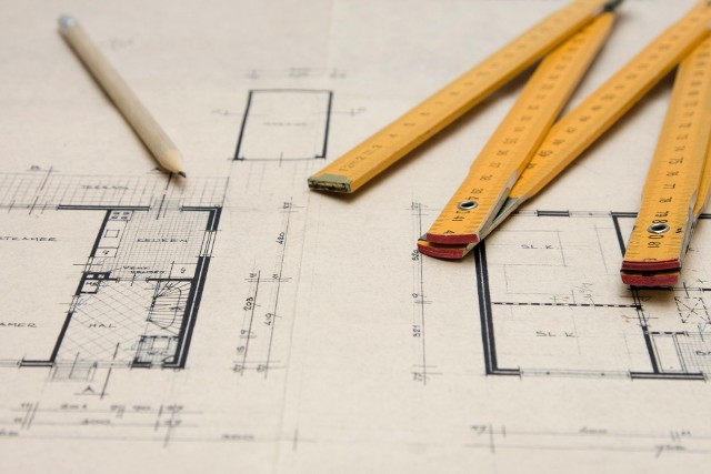 Wszystko w rękach architekta - to od niego się zaczynaWszystko w rękach architekta, w umiejętności zastosowania środków wyrazu i obrony ich, zarówno przed inwestorem, jak i opinią publiczną