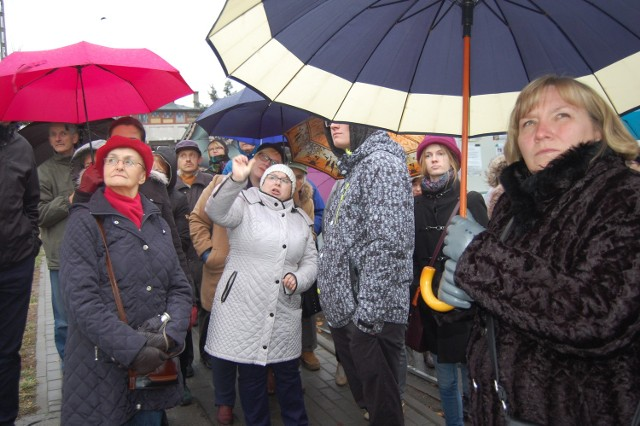 W dniu otwarcia liczną grupę oprowadziła po szlaku Anna Sergott, kustosz Muzeum Ziemi Krajeńskiej
