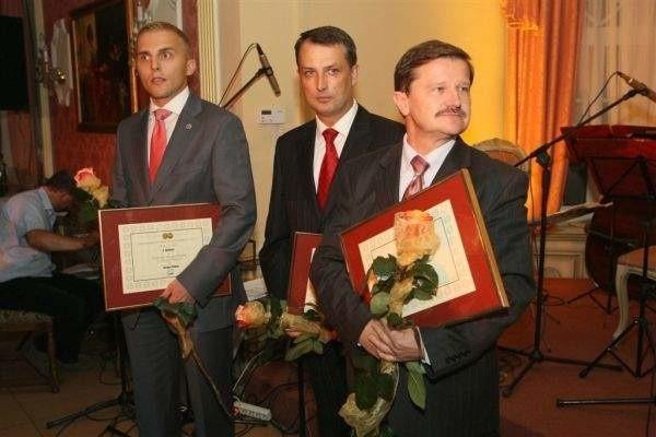 Tak świętowaliśmy pierwszą publikację listy 100 największych firm rok w temu w Leśnym Dworze. Liderzy głównych rankingów dostali od nas specjalne statuetki oraz dyplomy . Fot. D. Łukasik