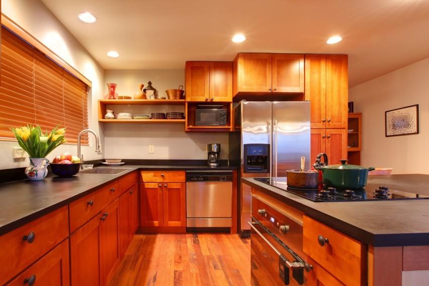 Gratka Nieruchomości to jedno z najlepszych miejsc w internecie, żeby kupować, sprzedawać i wynajmować obiekty takie jak domy, mieszkania i działki.