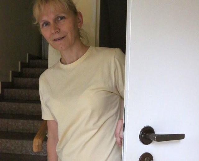 Iwona Cieślik z Opola: - Zawsze sprawdzam, kto do mnie idzie, i uważam na akwizytorów.
