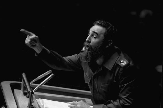 Fidel Castro nie żyje. W wieku 90 lat zmarł były przywódca Kuby