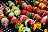 Czas na grilla. TOP 5 potraw na grilla, które zaskoczą twoich gości [PRZEPISY]