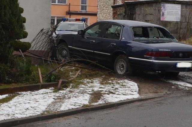 Wypadek w Rudnikach: Wjechał w dom. Miał ponad promil alkoholu