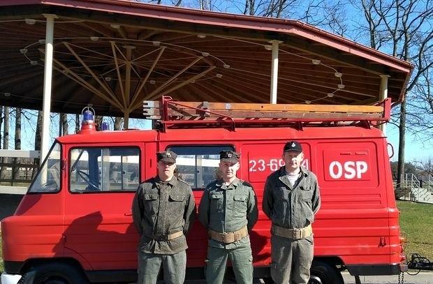 Strażacki wóz dostał nowe życie. Kupił go pasjonat motoryzacji z Warszawy.