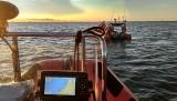 Poszukiwania zaginionego w Gdyni Orłowie. 49-latek wyszedł popływać i nie wrócił. Na plaży znaleziono ubranie i rower. W akcji SAR, WOPR, MW