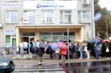 Przychodnia przy ul. Weteranów: Długa kolejka pacjentów, bo ruszyły zapisy do specjalistów