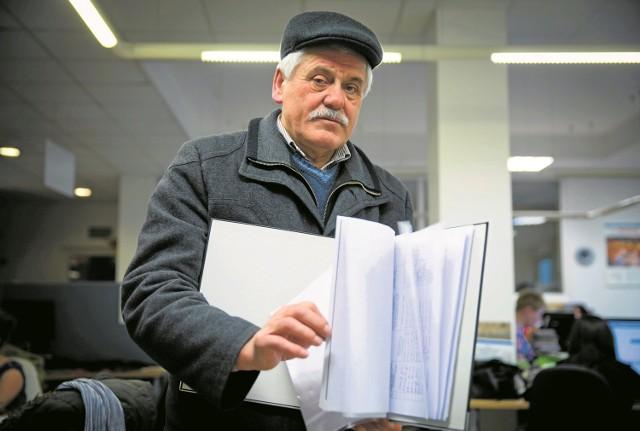 Mamy już półtora tysiąca podpisów, a chcemy ich zebrać dwa tysiące - pokazuje listy Tadeusz Karpowicz, jeden z inicjatorów zorganizowania referendum i odwołania burmistrza Supraśla