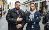 Bracia Sekielscy pracują nad nowymi filmami. Opowiedzą o ojcu Rydzku oraz pandemii koronawirusa. Znowu będzie o nich głośno