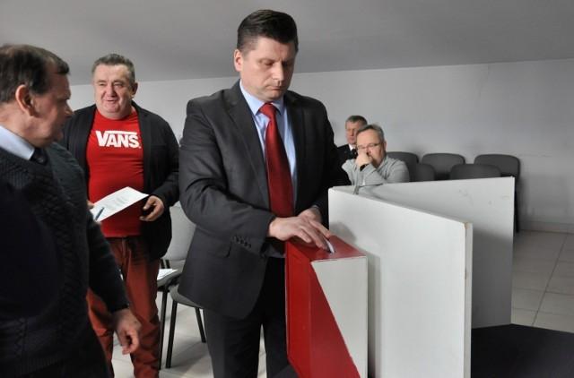 - Dziękuję za poparcie - powiedział bezpośrednio po głosowaniu Wiesław Wołkiewicz. - Widocznie jestem tutaj jeszcze potrzebny