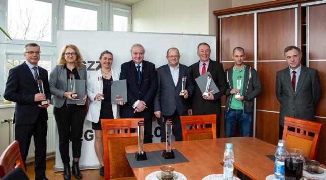 Od lewej: Krzysztof Kawa, Anna Kopeć-Kąkol, Marzena Łypik, Wojciech Grzeszek, Edward Kubacki, Józef Stachoń, Karol Wójcik, Andrzej Bac