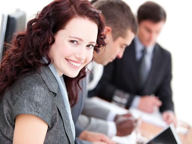 Rotacja pracowników to problem z którym zmaga się coraz więcej firm. Nie wszystkie muszą się jednak martwić o załogę, jeśli spełniają oczekiwaniach zatrudnionych. Co sprawia, że nie zmieniamy pracy? Oto spytała Polaków firma Randstad w badaniu Employer Brand Research.Sprawdź jakie powody zdaniem Polaków wpływają na decyzję o pozostaniu w aktualnym miejscu pracy