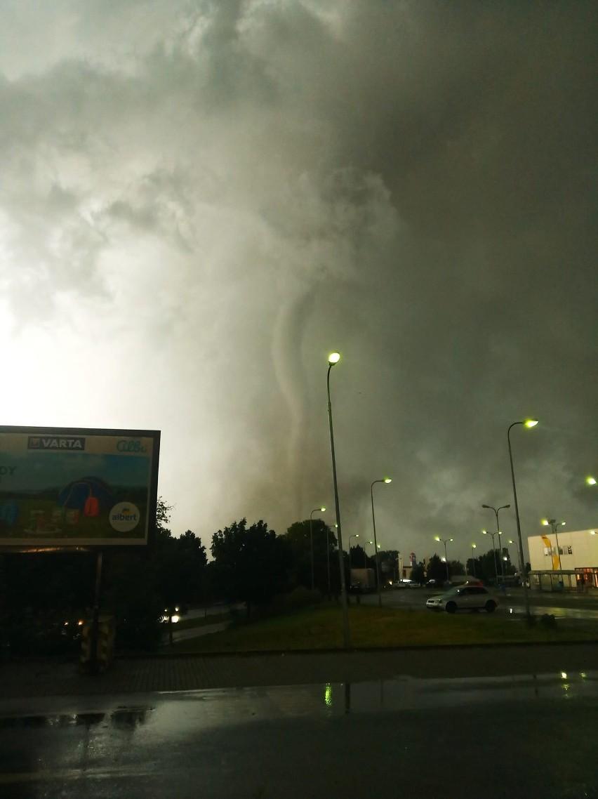 Olbrzymie tornado w Czechach! 150 rannych, są zabici, setki...