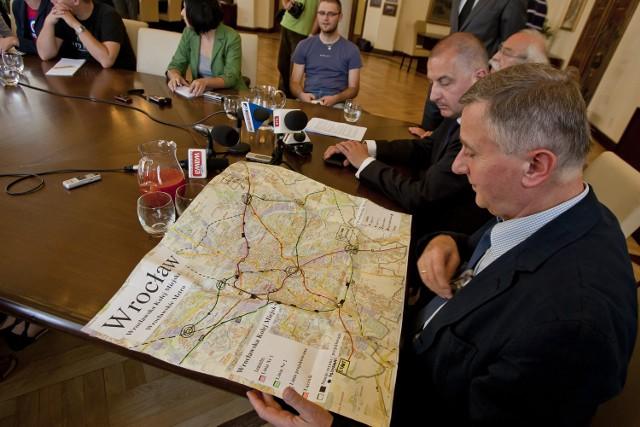 O planach budowy wrocławskiego metra magistrat poinformował na konferencji w lipcu 2011 roku