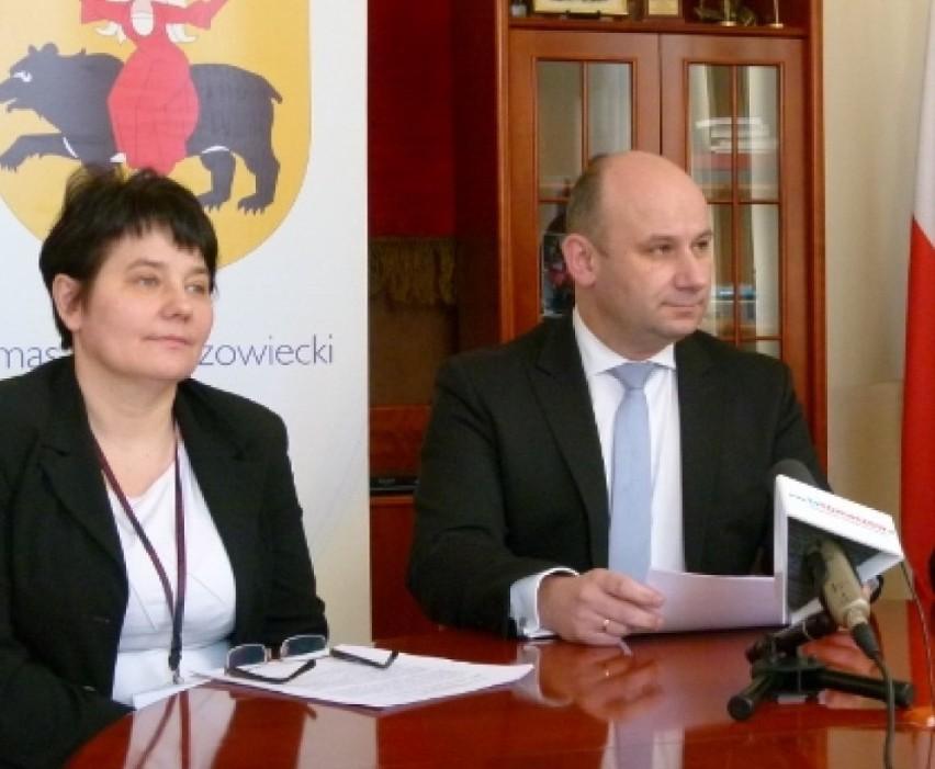 Lucyna Pietrzyk była dyrektorem Wydziału Gospodarki Nieruchomościami i Ochrony Środowiska w Urzędzie Miasta