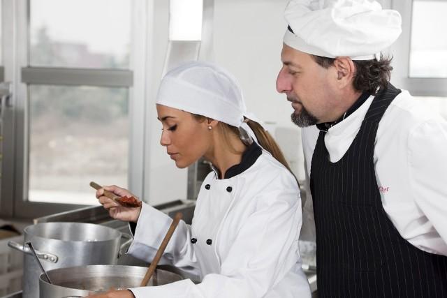 Pracodawca może z pracownikiem zawrzeć umowę o pracę na okres próbny w celu sprawdzenia kwalifikacji pracownika.