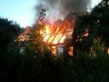 Pożar w Pomiłowie. Znane są wstępne przyczyny śmierci mężczyzny i wybuchu ognia, do którego doszło 14.08.2020 r.