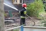 Tragiczny pożar domu w Starych Modzelach. Nie żyje mężczyzna