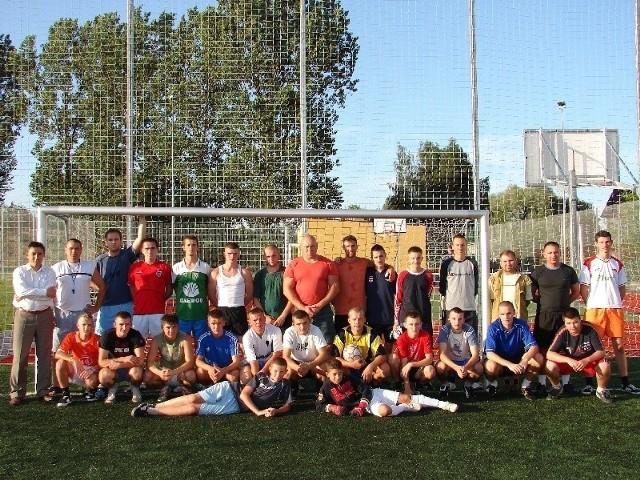 To piłkarze i działacze KS Wąsewo.