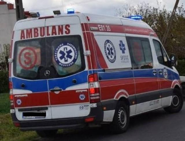 12-letni chłopak został potrącony w momencie, gdy przemieszczał się hulajnoga po oznakowanym przejściu dla pieszych. Do wypadku doszło na ulicy Andrzeja Struga w Wieluniu. Nastolatek doznał obrażeń ciała i trafił do szpitala.