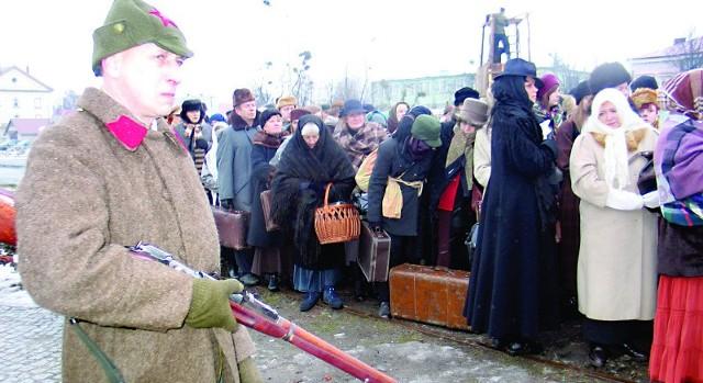 10 lutego 1940 r. rozpoczęła się pierwsza wywózka Polaków na Syberię. Później były jeszcze trzy fale wywózek. Deportowano ponad milion Polaków.