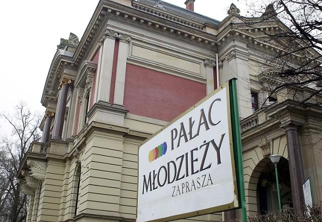 Willa Lentza (Pałac Młodzieży) dobrze służy uczestnikom zajęć teatralnych, muzycznych i plastycznych. I niech tak pozostanie - mówią szczecińscy artyści.
