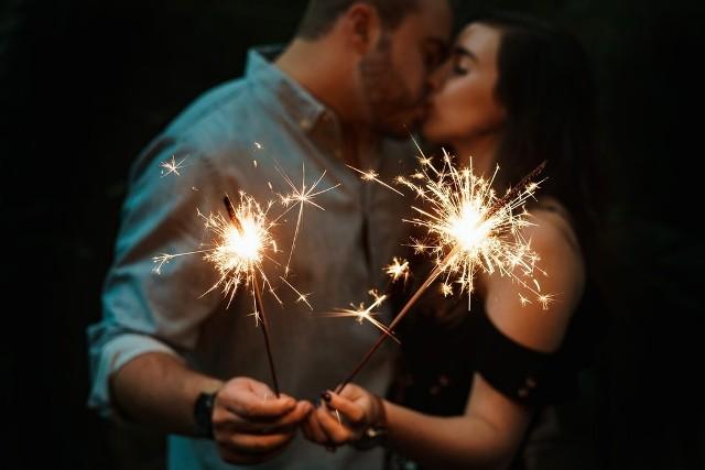 życzenia Na Rocznicę ślubu Najpiękniejsze Proste życzenia