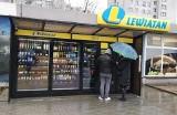 Samoobsługowy sklep Lewiatan już działa. To pierwsza taka placówka w kraju. Jeszcze w tym roku mają powstać kolejne