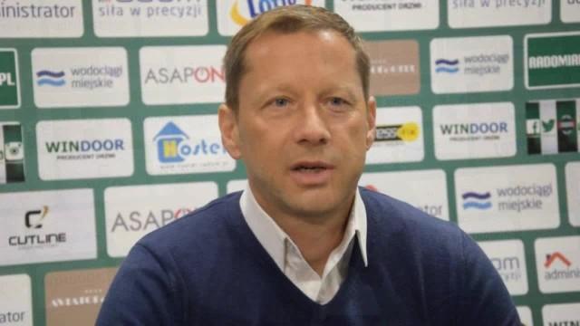 Trener Dariusz Banasik