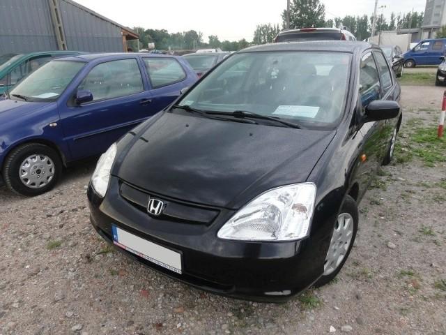 Honda civic z 2002 roku kosztuje 12,3 tys. zł.