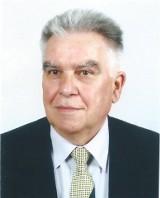 Poznań: Pogrzeb Aleksandra Weissa, wieloletniego dyrektora Zespołu Szkół Ekonomicznych. Dla niego liczyły się wyniki w nauce i działanie
